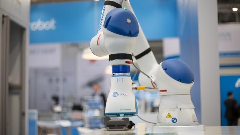 kereskedés robotkal)